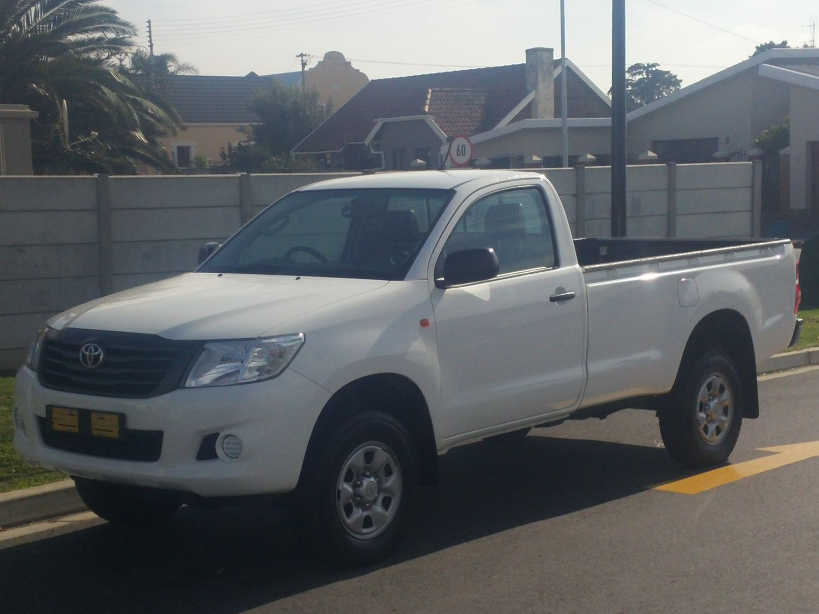 HILUX HILUX 2 5 D-4D SRX R/B P/U S/C Specifications