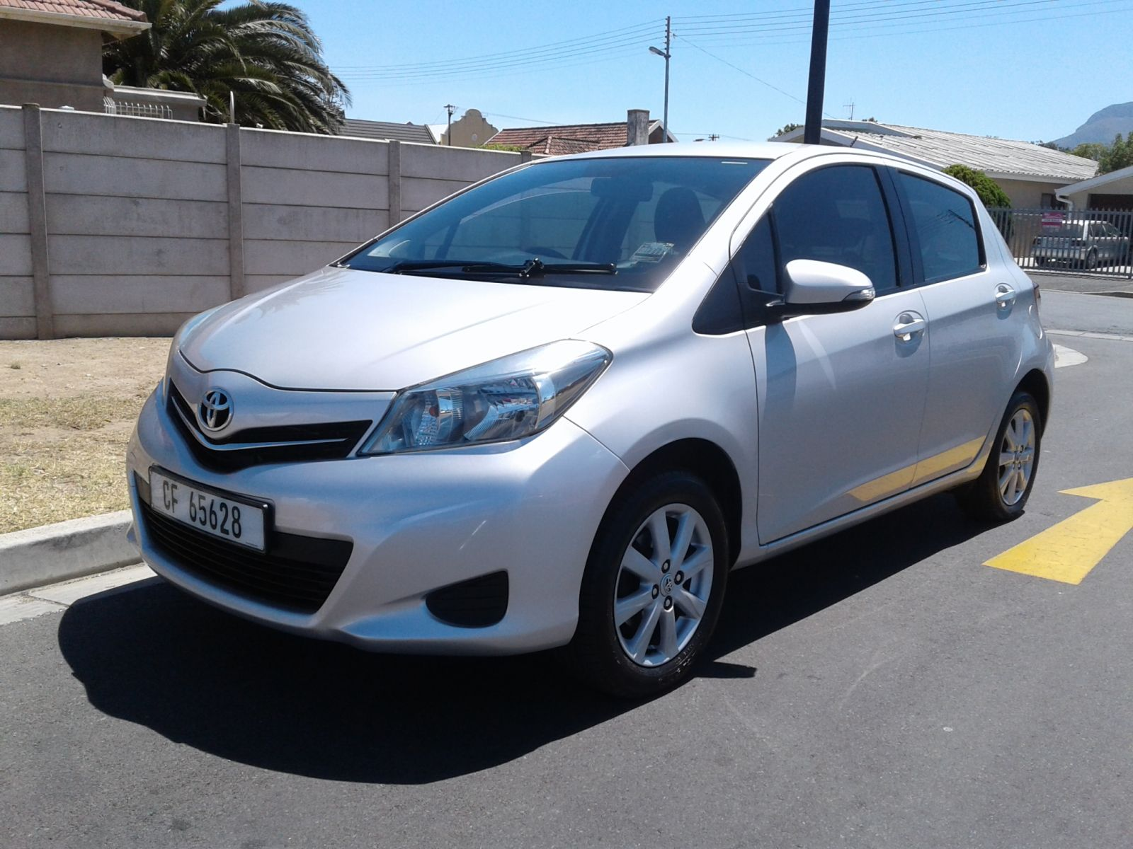 yaris yaris 1.0 xs 5dr specifications