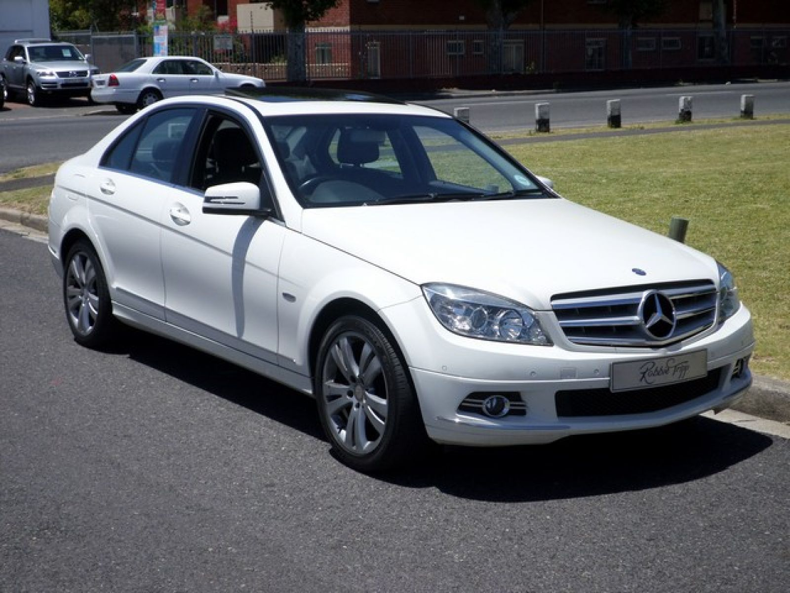 C Class Sedan C180 Cgi Be Avantgarde A T Specifications