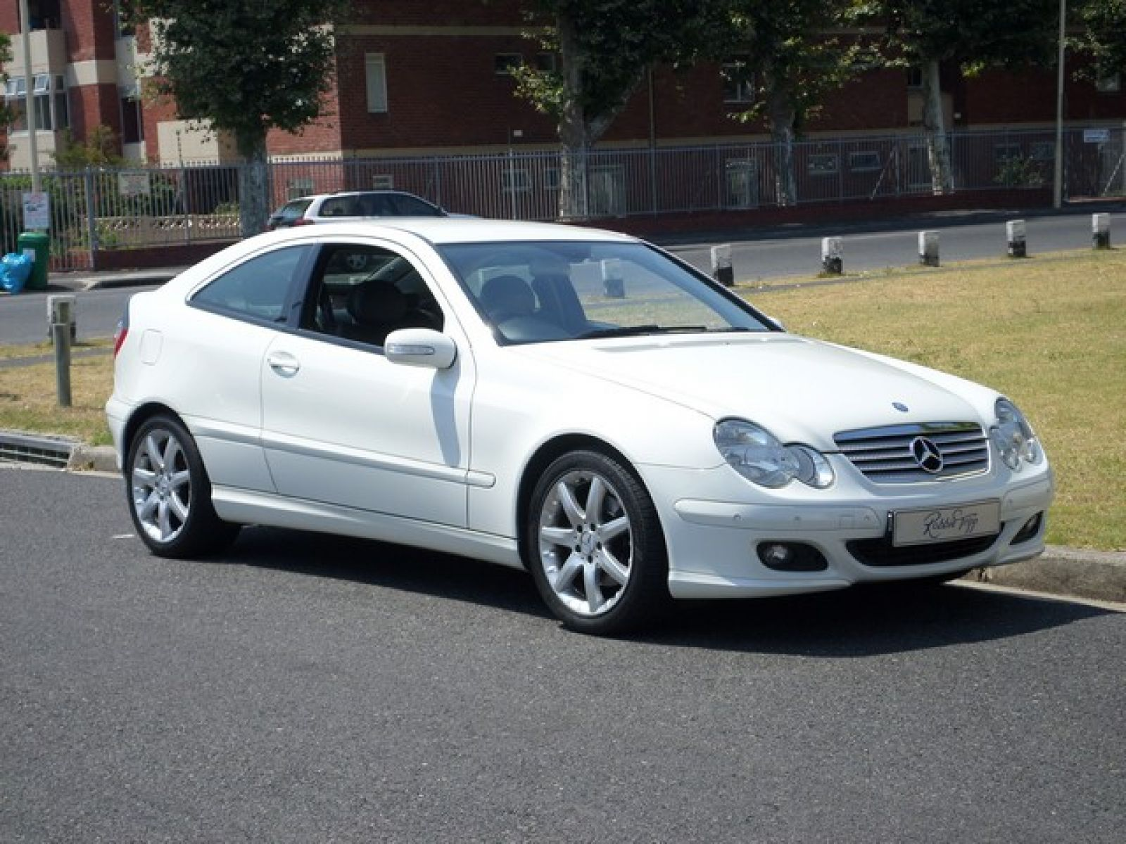C class coupe c230 v6 coupe a t specifications for Mercedes benz 2002 c230