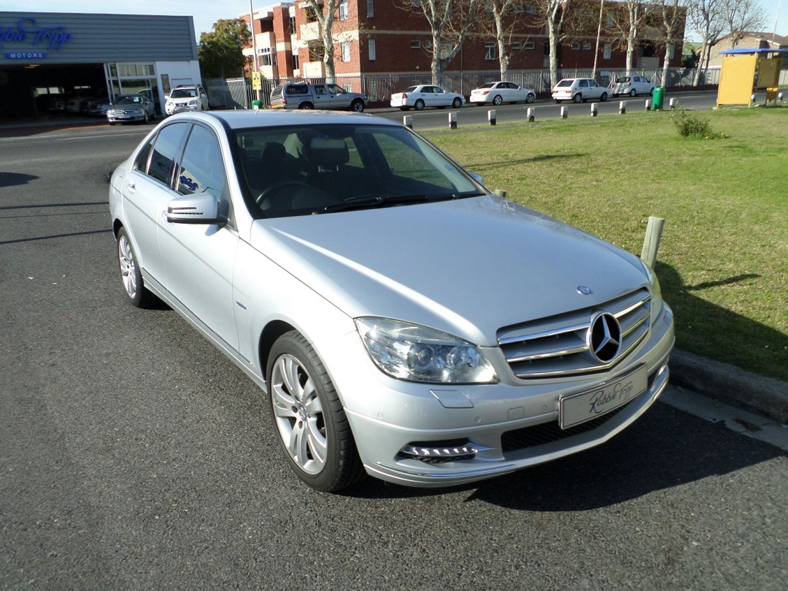 MERCEDES-BENZ C-CLASS SEDAN 2011