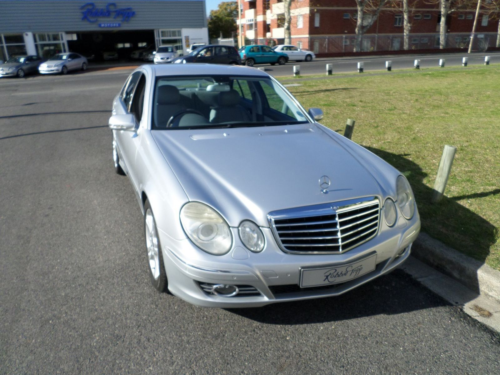 MERCEDES-BENZ E-CLASS SEDAN 2008