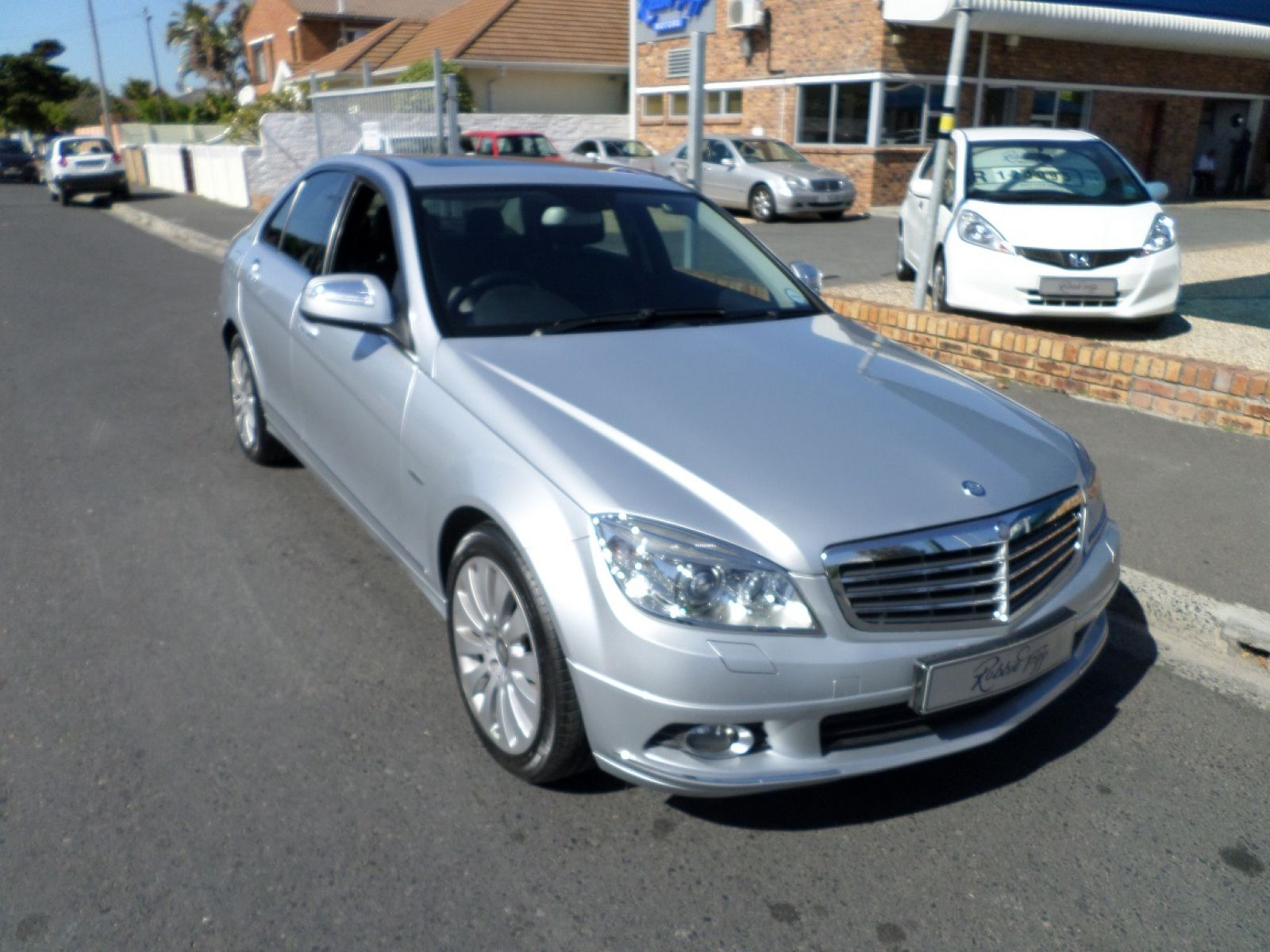 MERCEDES-BENZ C-CLASS SEDAN 2009