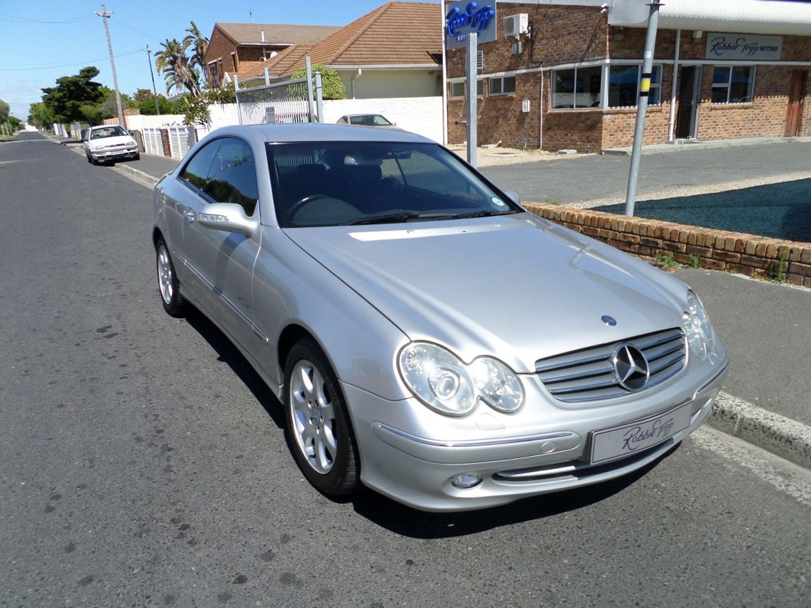 Clk clk320 coupe a t specifications for Mercedes benz oil change interval